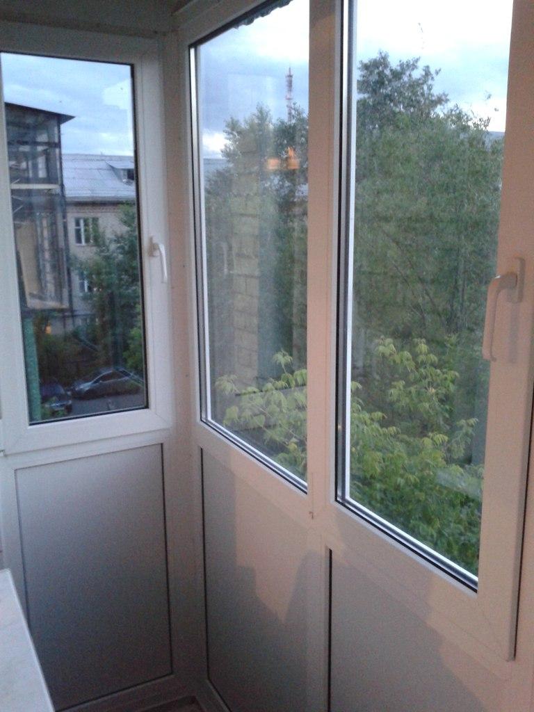Остекление балкона 11