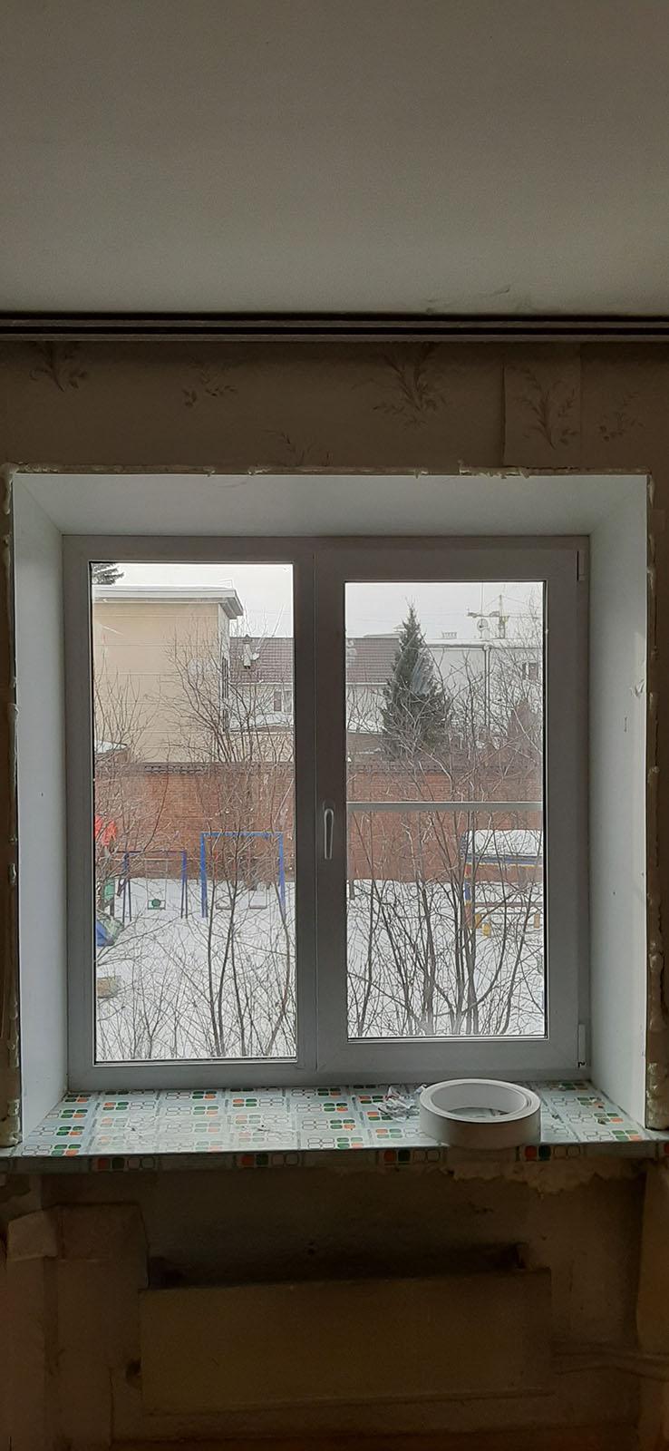 Пластиковое окно в комнату