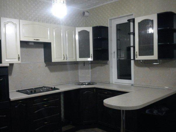"""Кухня на заказ """"Белое и Черное"""""""