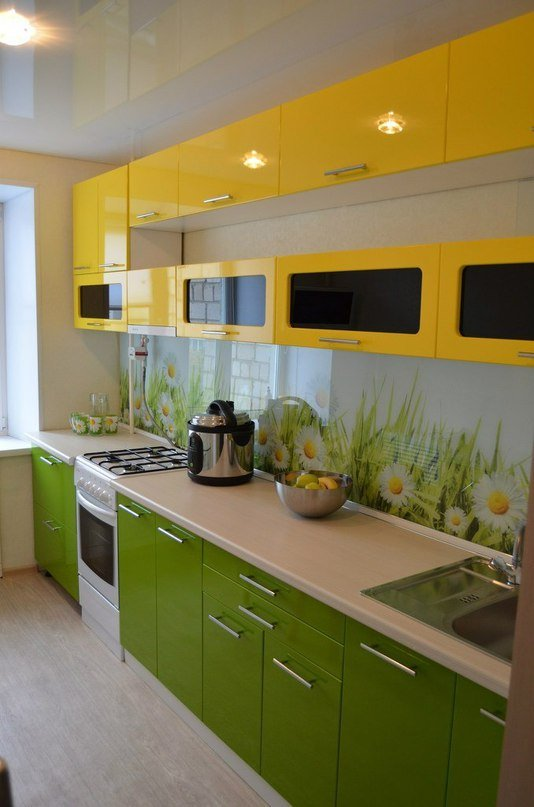 "Кухня на заказ ""Желтое и Зеленое"""