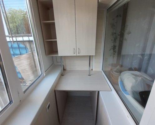 Шкаф-стол на балкон